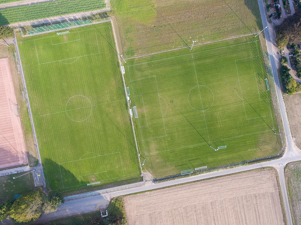 Hauptrasen- & Trainingsplatz
